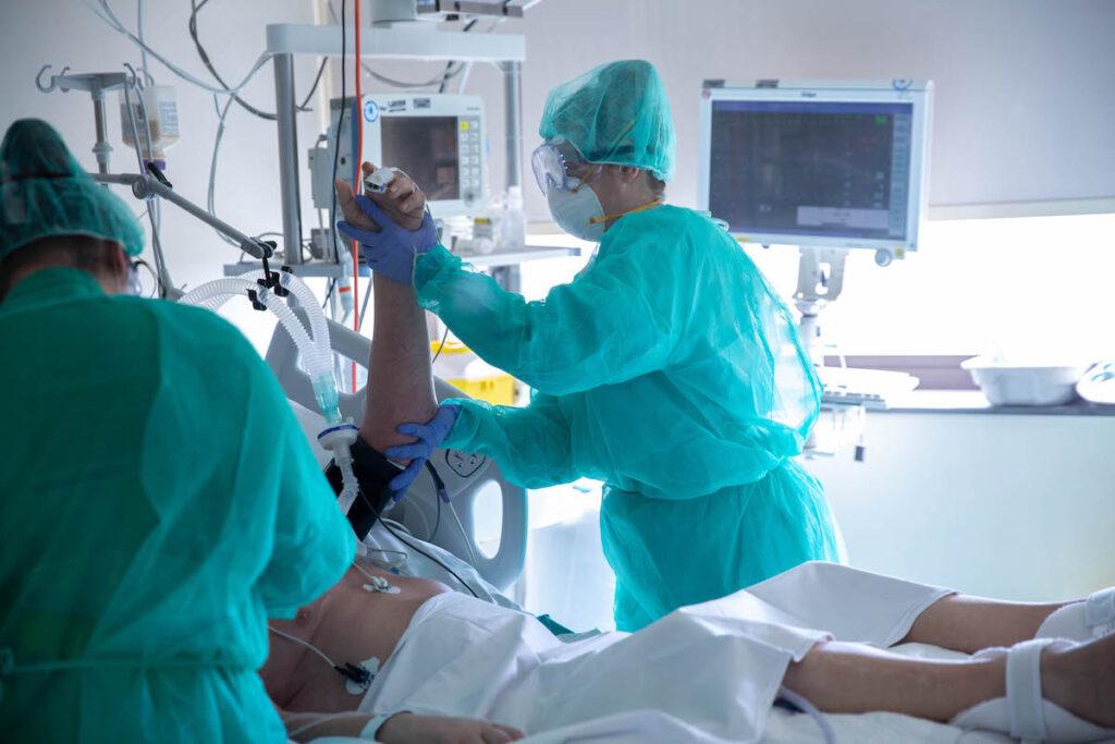 Fisioterapeutas del grupo Ribera diseñan programas específicos para la rehabilitación del Covid persistente